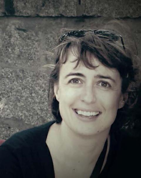 Domínguez, Lara